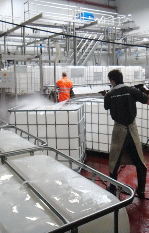Industriele reiniging Industrial cleaning IBC reiniging